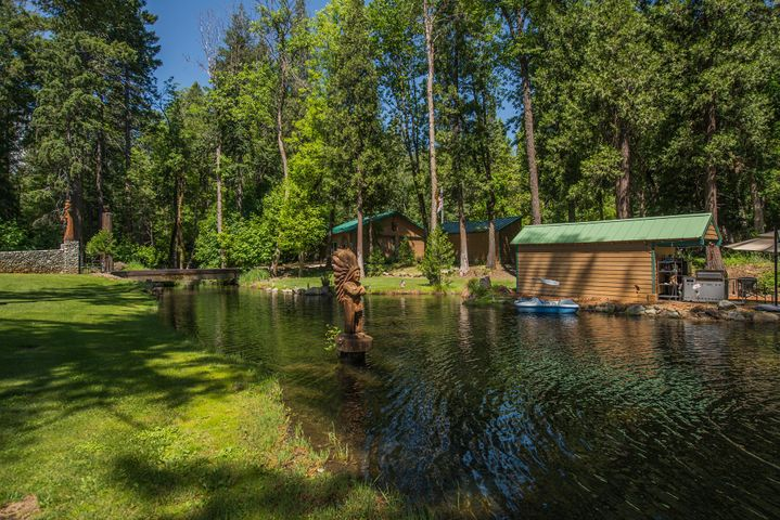 200 Coffee Creek Rd, Coffee Creek, ca 96091