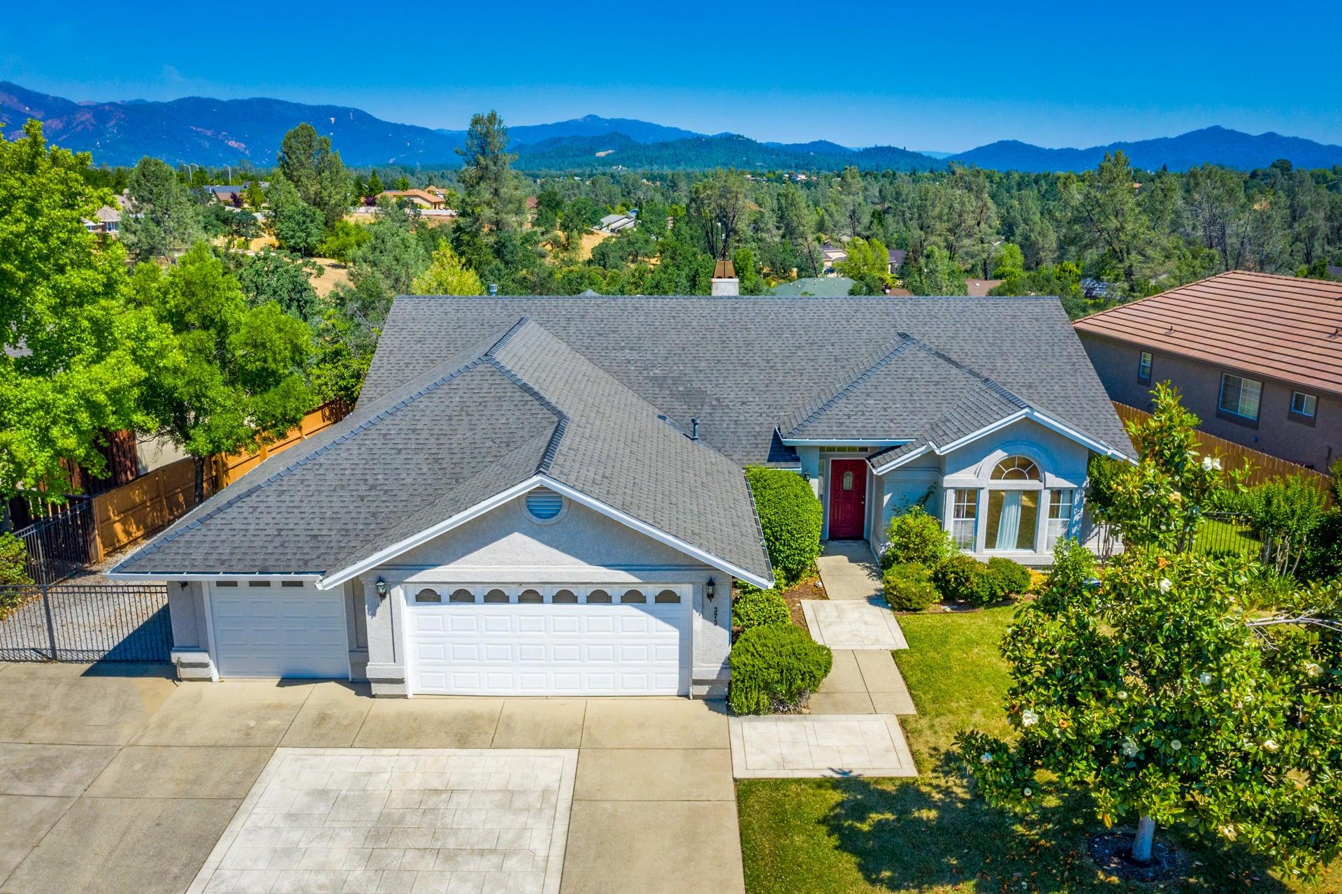 373 River Park Dr, Redding, CA 96003