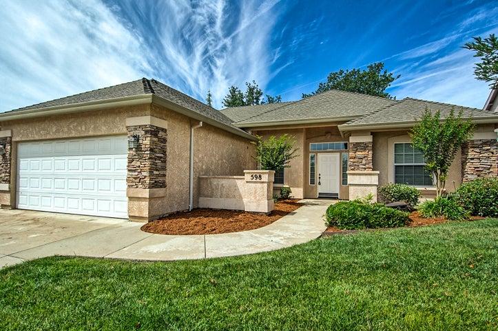 598 Casa Buena St., Redding, CA 96003