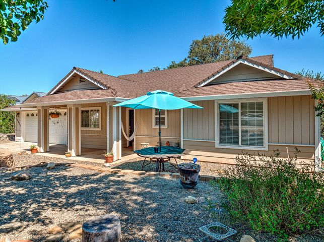 19672 White Horse Pl, Cottonwood, CA 96022
