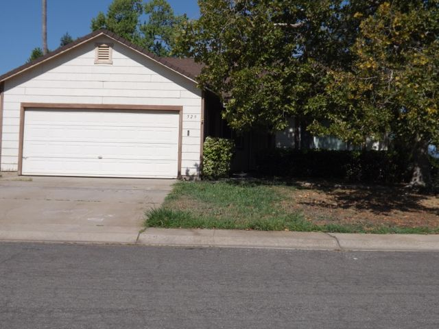 529 Shell Dr, Redding, CA 96003