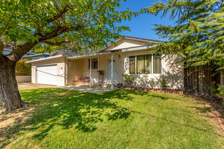 3320 Oakwood Pl., Redding, CA 96001