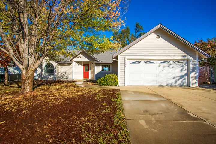 3735 Mchale Way, Redding, CA 96001