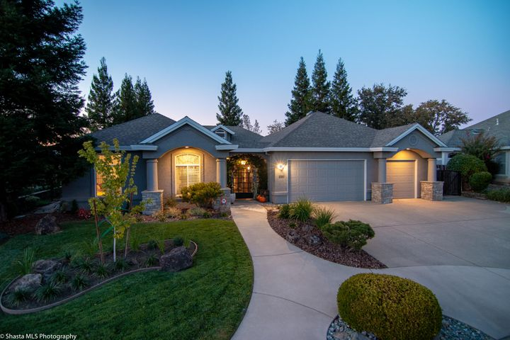 1550 Gold Hills Dr, Redding, CA 96003