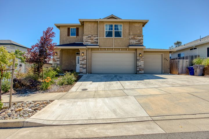 231 Mill Valley Pkwy, Redding, CA 96003