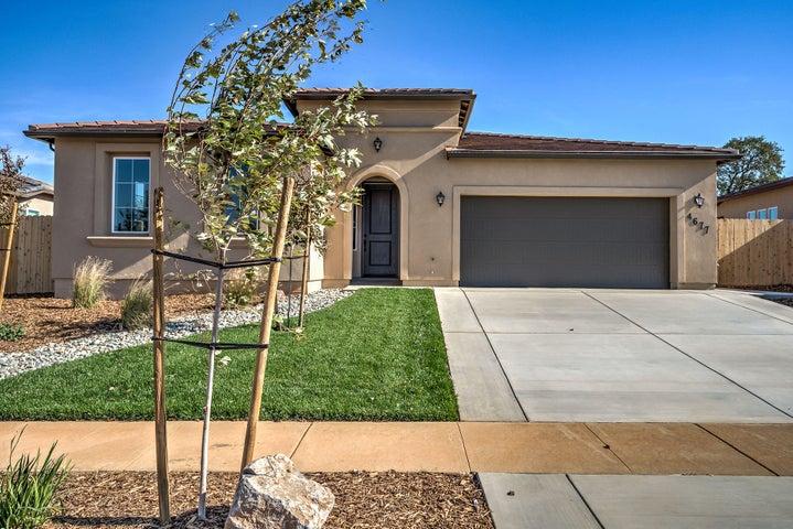 4677 Pleasant Hills Dr, Anderson, CA 96007