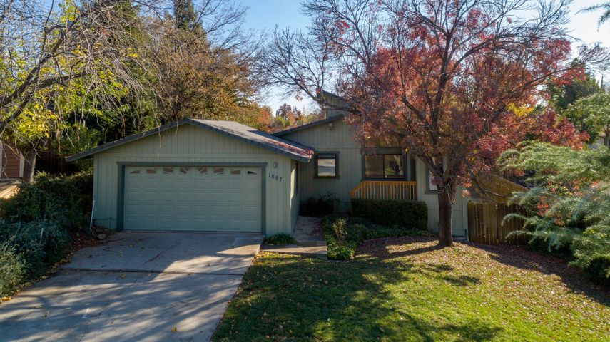 1887 Oconner Ave, Redding, CA 96001