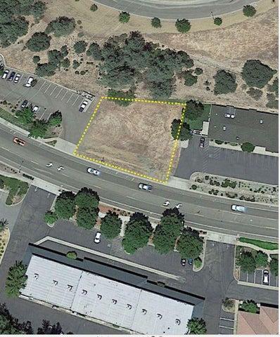 1805 Buenaventura Blvd, Redding, CA 96001