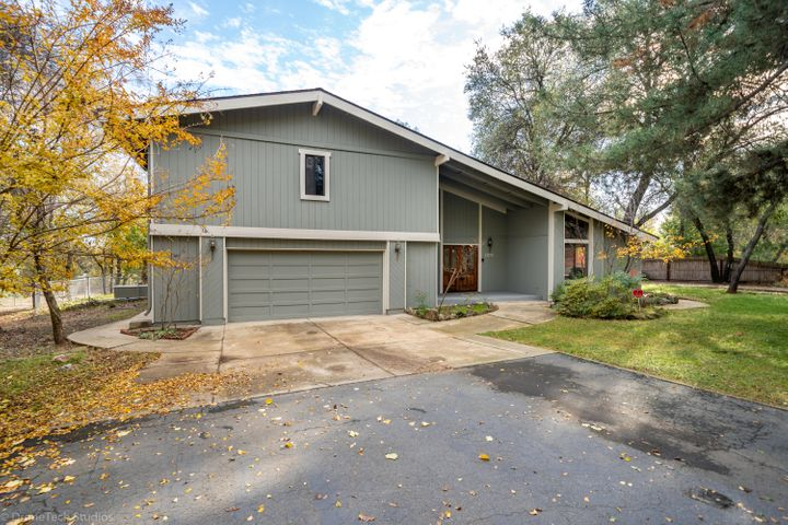 13179 Fernie Way, Redding, CA 96003