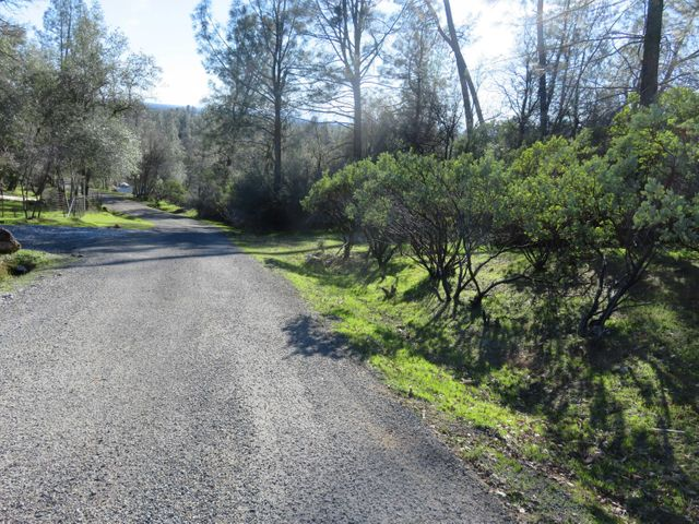 1 acre Craggy View Lane, Redding, CA 96003