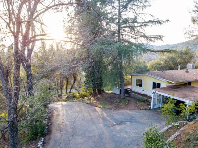 19775 N Old Oregon Trl, Redding, CA 96003