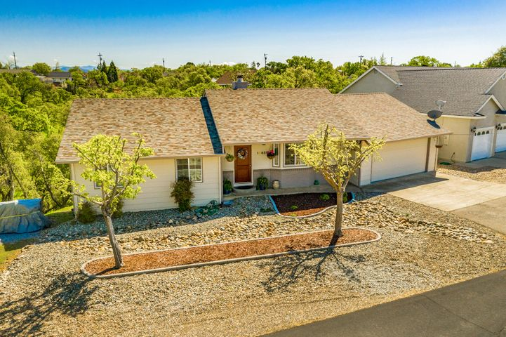19658 Valley Ford Dr, Cottonwood, CA 96022