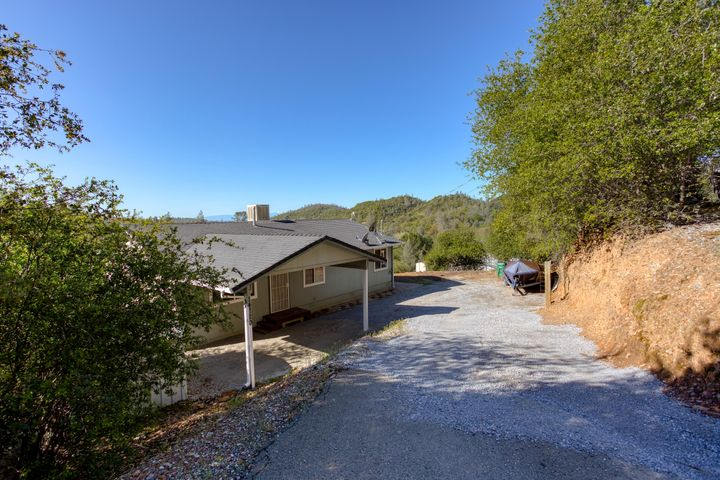 14720 Bollibokka Way, Redding, CA 96003