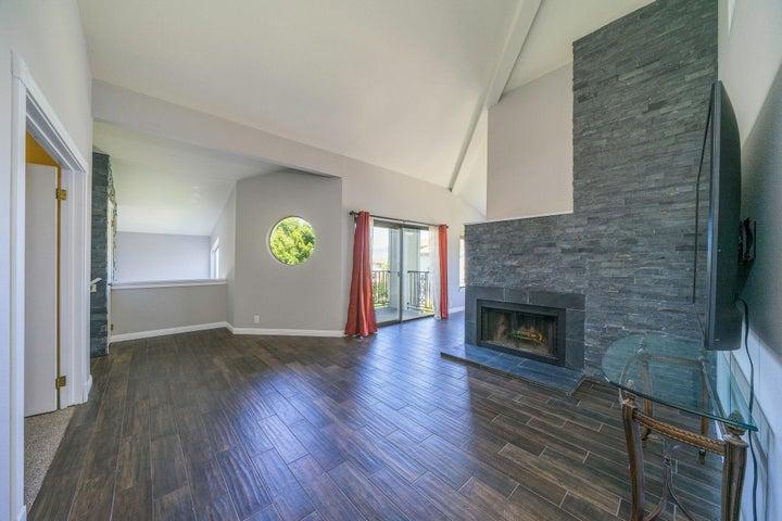410 Ridgecrest Trl, Redding, CA 96003