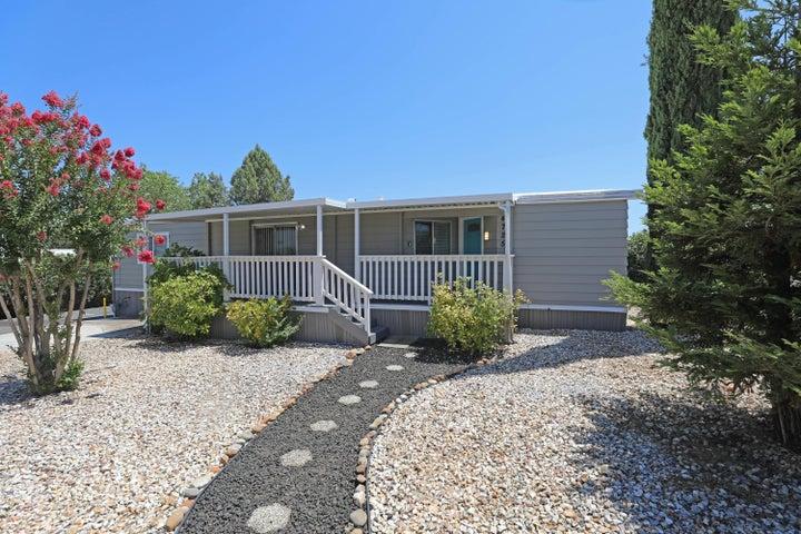4725 White River Dr, Redding, CA 96003