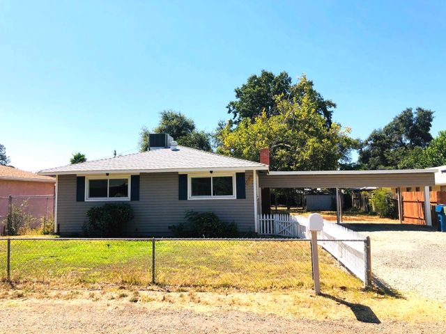 1175 Bond St, Redding, CA 96002