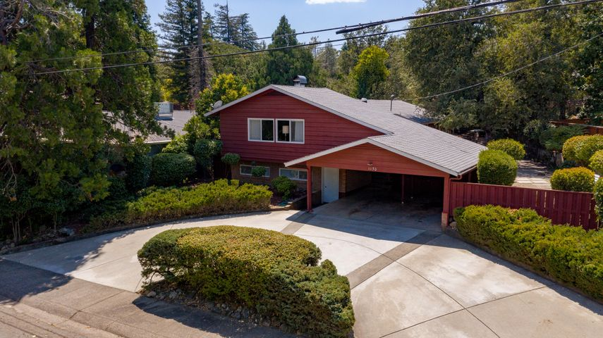 1170 Almond Ave, Redding, CA 96001