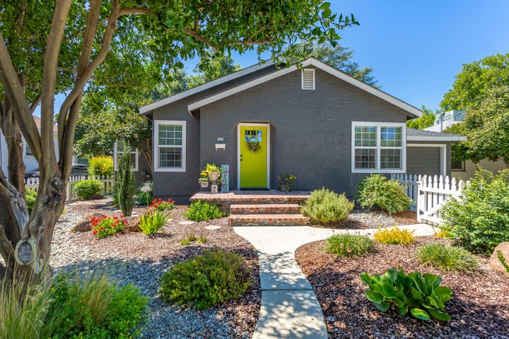 821 South St, Redding, CA 96001