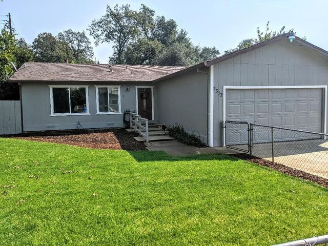 3513 Adams Ln, Redding, CA 96002