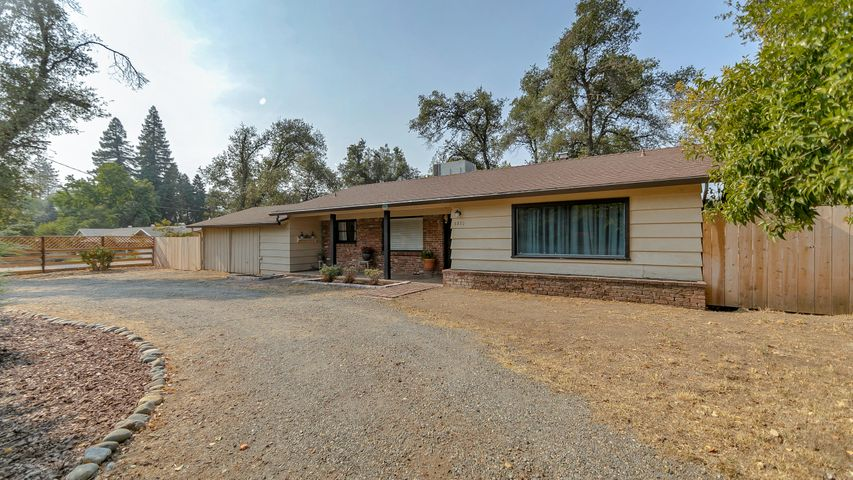 6830 W Waverly Ave, Redding, CA 96001