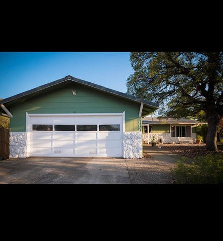 3440 Winding Way, Redding, CA 96003