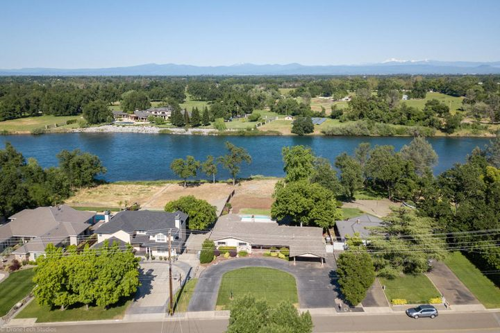 6793 Riverside Dr, Redding, CA 96001