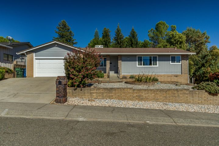 3753 Oro St, Redding, CA 96001