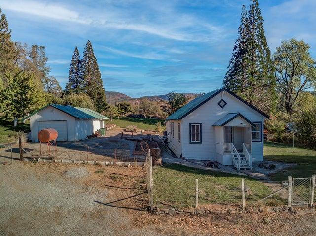 30298 Jackson Ln, Montgomery Creek, CA 96065