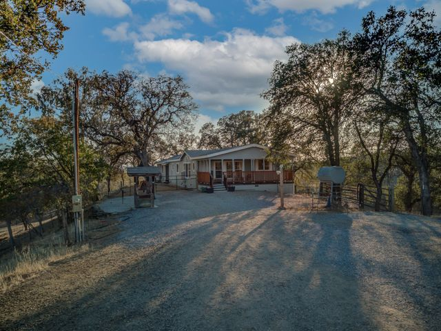 13325 Roadrunner Loop, Red Bluff, CA 96080