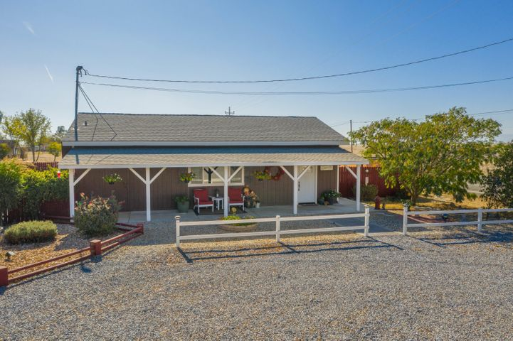 10690 Rawson Rd, Red Bluff, CA 96080