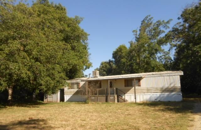 24567 Clement Ave, Los Molinos, CA 96055