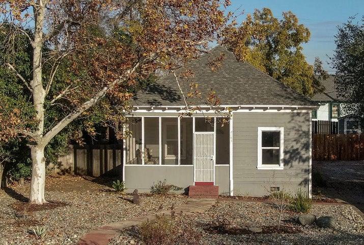 2183 California St, Redding, CA 96001