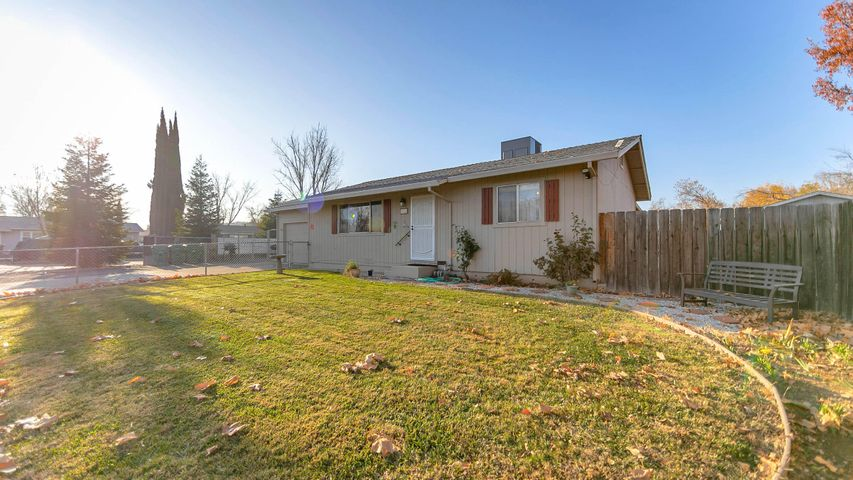 1600 Andrew Ave, Anderson, CA 96007