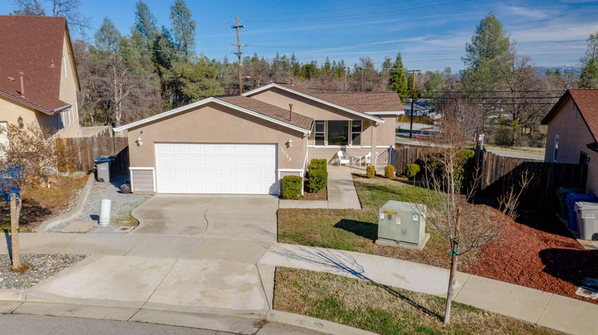 3298 Bridgewater Ct, Redding, CA 96003