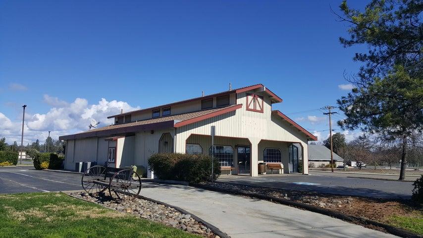 9390 Deschutes Rd, Palo Cedro, CA 96073