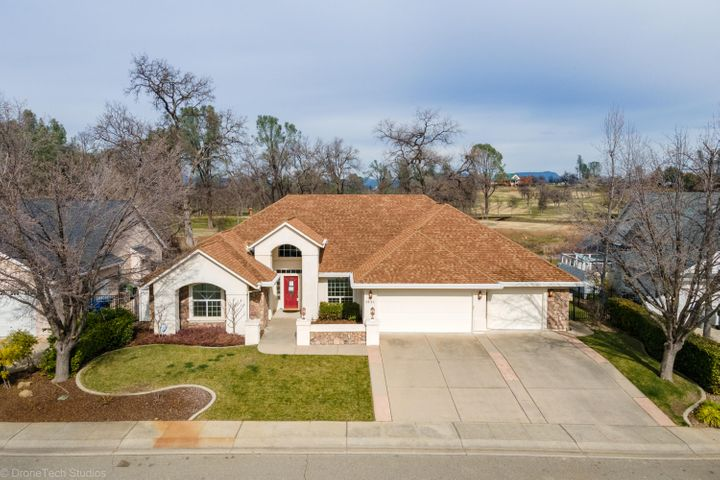 1643 Spanish Bay Dr, Redding, CA 96003