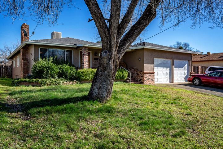 2823 Regal Ave, Redding, CA 96002