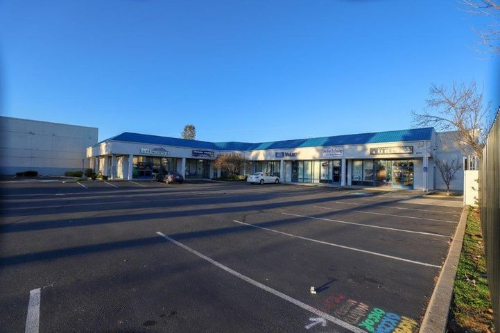 2070 Churn Creek Rd, Redding, CA 96002