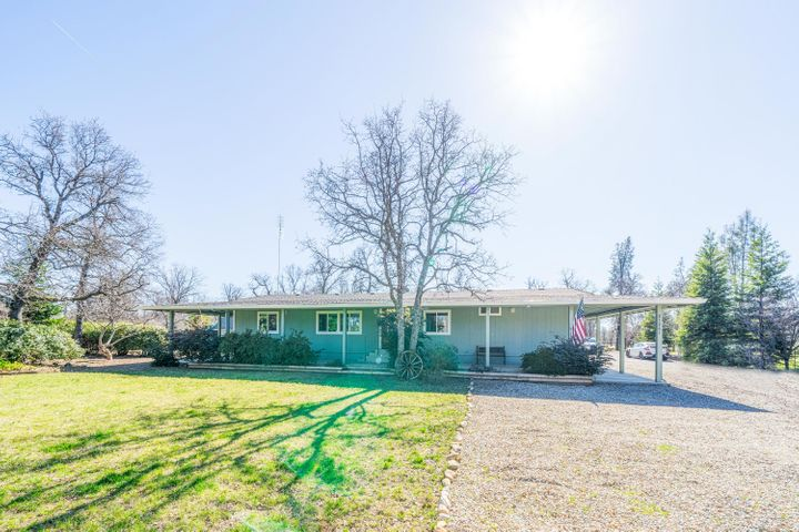 21261 Via Serena Dr, Redding, CA 96003