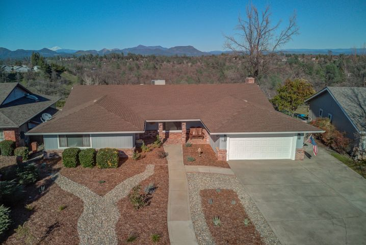 716 Collyer Dr, Redding, CA 96003