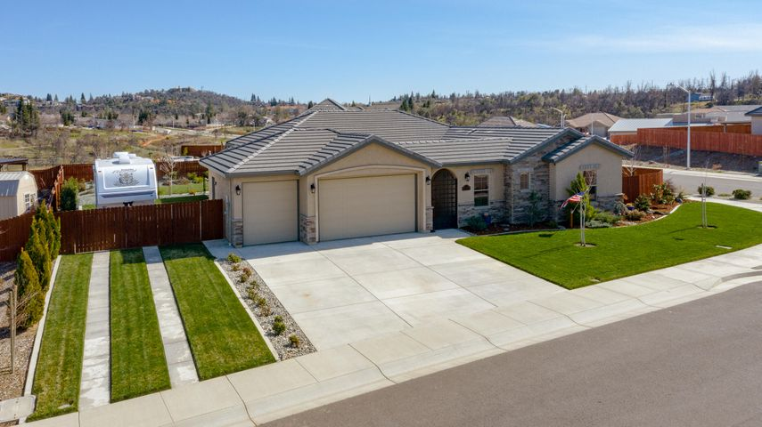 4059 Acadia Place, Redding, CA 96001