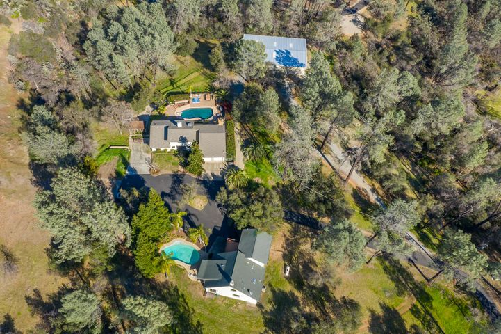 16467 /16436 Sky Ln, Redding, CA 96001
