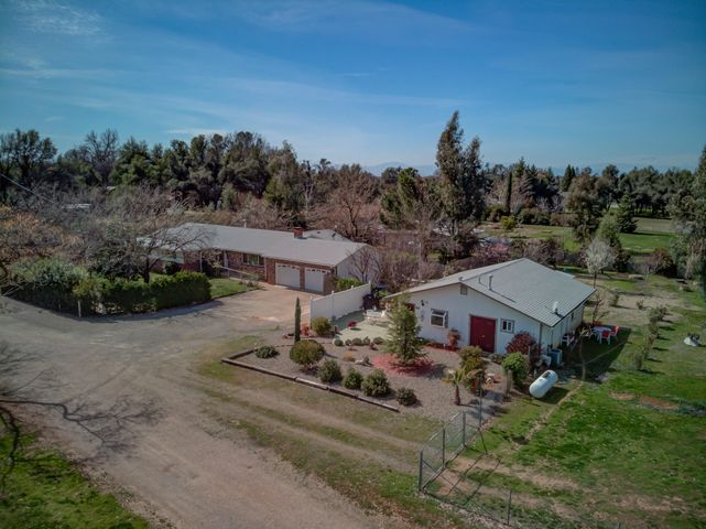 19602 Hammers Ln, Cottonwood, CA 96022