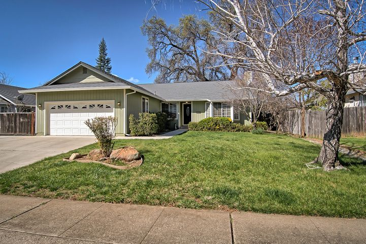 522 Olympic St, Redding, CA 96003