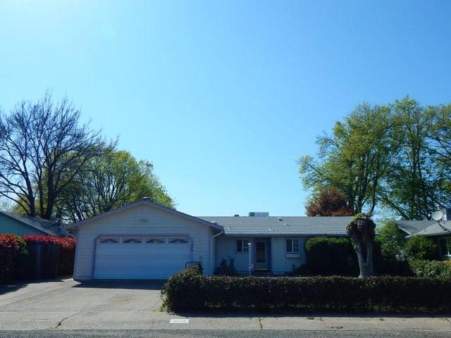 3078 Dove St, Redding, CA 96001