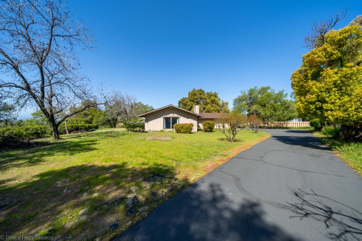 1980 Rancho Rd, Redding, CA 96002