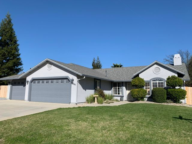 3985 Meadow Oak Way, Redding, CA 96002