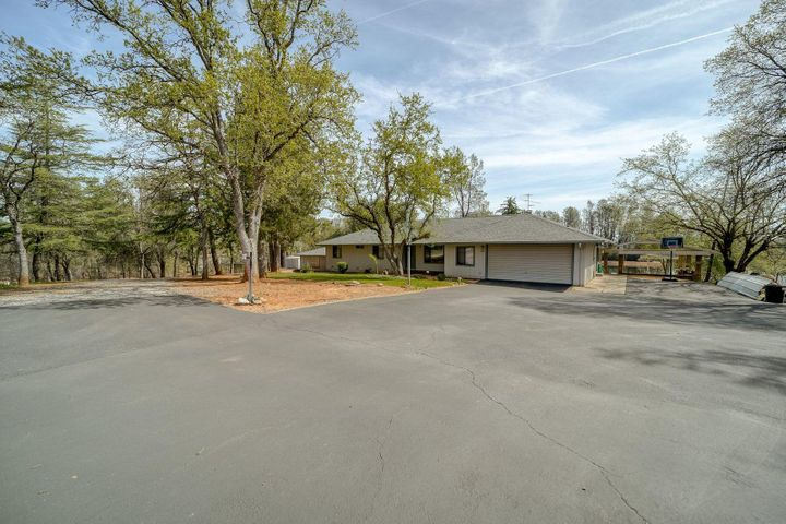 12657 AKRICH, Redding, ca 96003