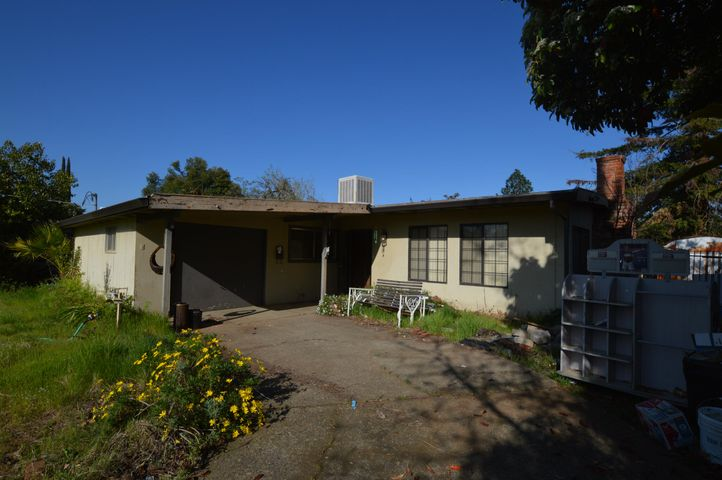 2909 Fairway Ave, Redding, CA 96002
