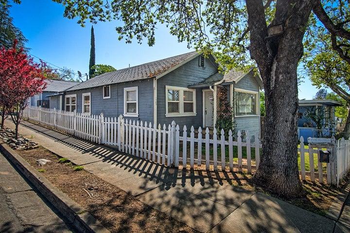 1305 Magnolia Ave, Redding, CA 96001